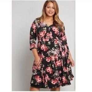 ModCloth Date Night Done Right  Dress Size XXL